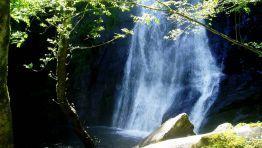 Fervenza de Seimeira de Vilagocende, en A Fonsagrada, un salto de agua de 50 metros de caída vertical que realiza el Río Portelñiña FOTÓGRAF...