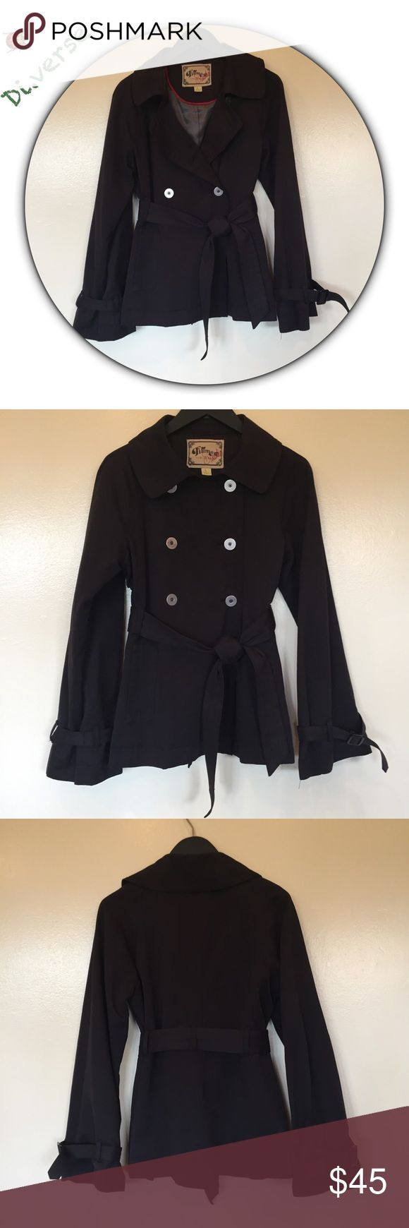 """Fillmore Studio short black trench coat size L Too cool😎😎 in great condition! 6 Silver toned buttons very comfy cotton & poly machine washable. Pockets never opened ... 27.5"""" sleeves and 26"""" in length. Fillmore Studio Jackets & Coats Trench Coats"""