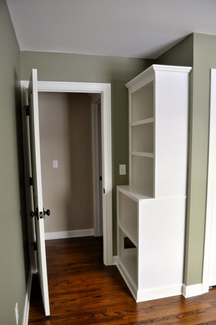 How To Build Custom Built-In Bookcases (Pretty Handy Girl)