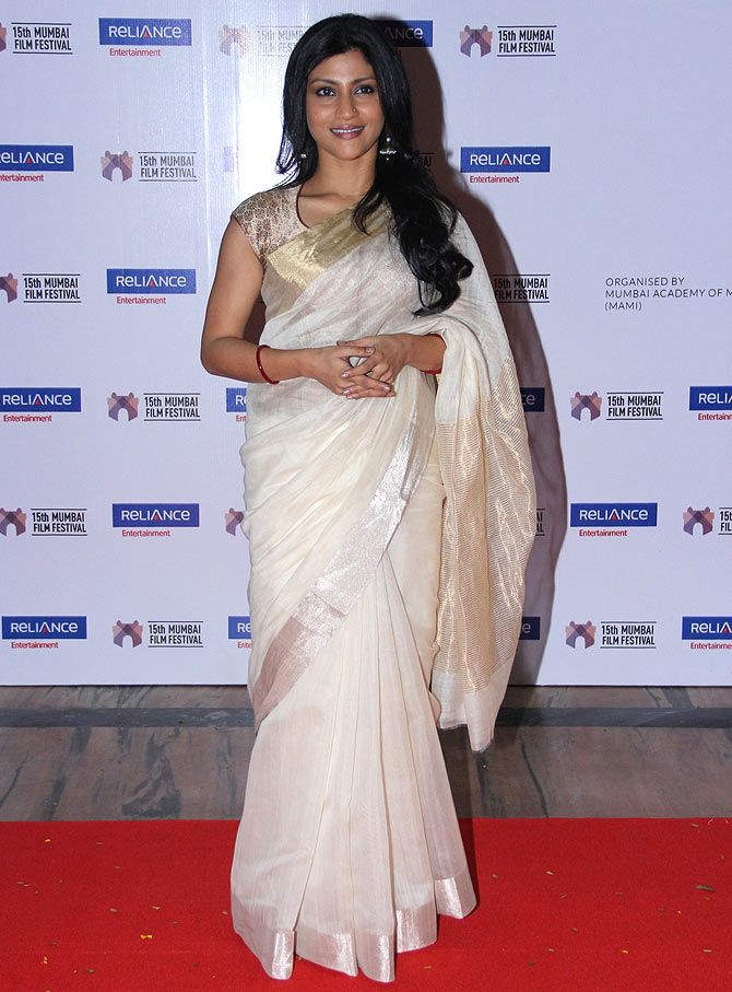 Traditional Southern Style Sari On Konkana Sen Love the Gold Border