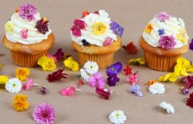 Orzo-with-Tomatoes-Feta-and-Green-Onions: Sugar Flower, Vanilla Cupcakes, Floral Cupcakes, Edible Flower, Yummy Recipe, Gift Ideas, Diy Gift, Flower Cupcakes, Mothers Day Crafts