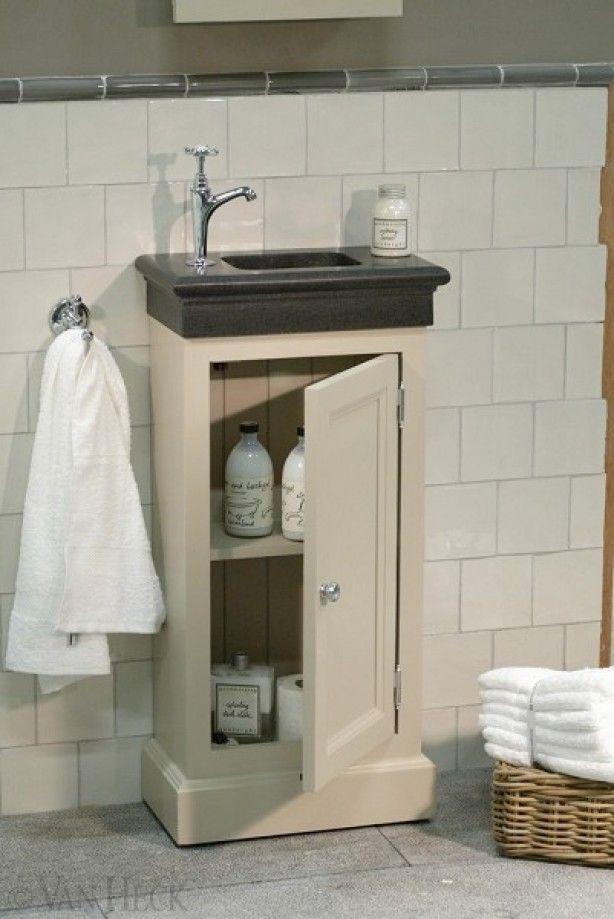mooi landelijk fontein meubel met hardsteen fontein in veel landelijke kleuren verkrijgbaar. van heck experience store te Antwerpen voor landelijke toiletten en badkamers