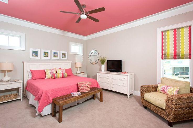 Краска водоэмульсионная для стен и потолков (63 фото): как правильно выбрать и нанести http://happymodern.ru/kraska-vodoemulsionnaya-dlya-sten-i-potolkov-63-foto-kak-pravilno-vybrat-i-nanesti/ Розовый потолок смотрится очень ярко и интересно