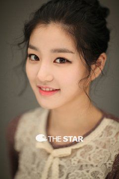 Zoom - Mom's Shoes May Not Be Too Big to Fill for Actress Lee Yoo-bi