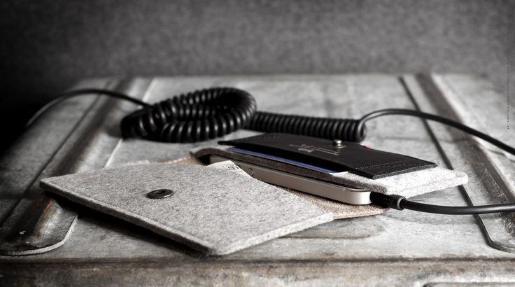 Hard Graft - iPhone Fold Wallet / Smoke