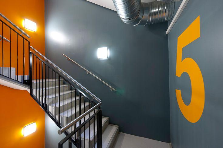 PILESTREDET- interior stairwell