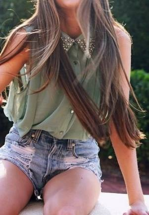 love the embellished collarStuds Collars, Games, Treats, Long Hair, Cute Outfit, Princesses, Jeans Shorts, Denim Shorts, High Waist Shorts