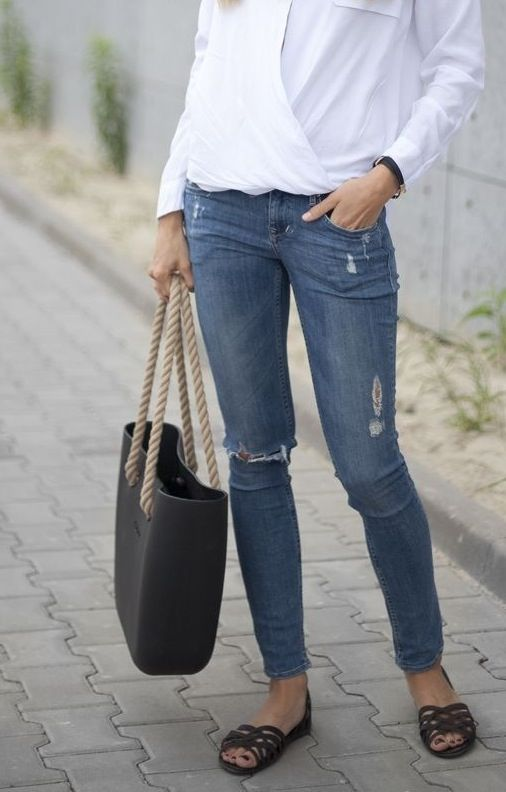 Minimal + Classic: simple, jeans, white shirt, flats, Obag