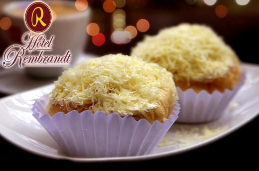 Sink Your Teeth Into a Dozen Scrumptiously Soft Ensaymada from Hotel Rembrandt for P420 instead of P660! Delight in 12 luscious pieces of Hotel Rembrandt's ensaymada and grab this amazing deal only here at www.MetroDeal.com!