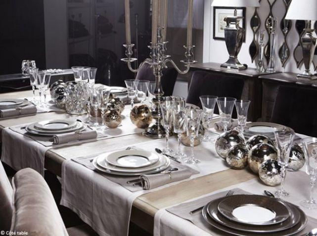 Centre de table chandelier argent noel art de la table for Centre de table argent