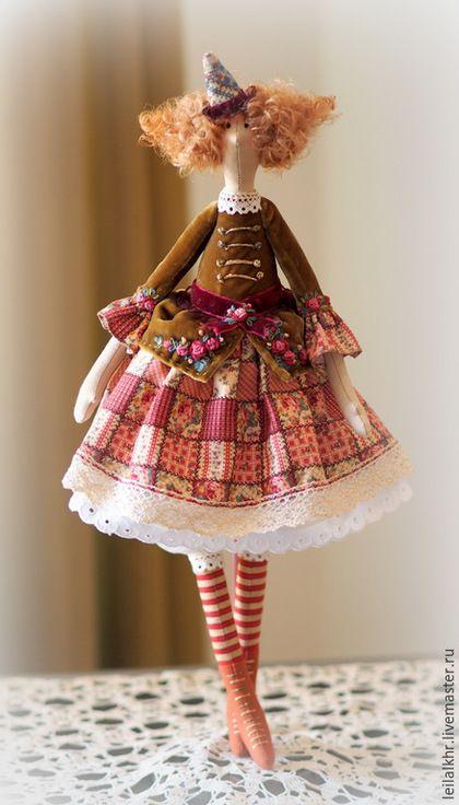 Купить или заказать Мадемуазель Моник в интернет-магазине на Ярмарке Мастеров. Интерьерная кукла, самостоятельно сидит, имеется петелька для подвешивания. Одежда не снимается.