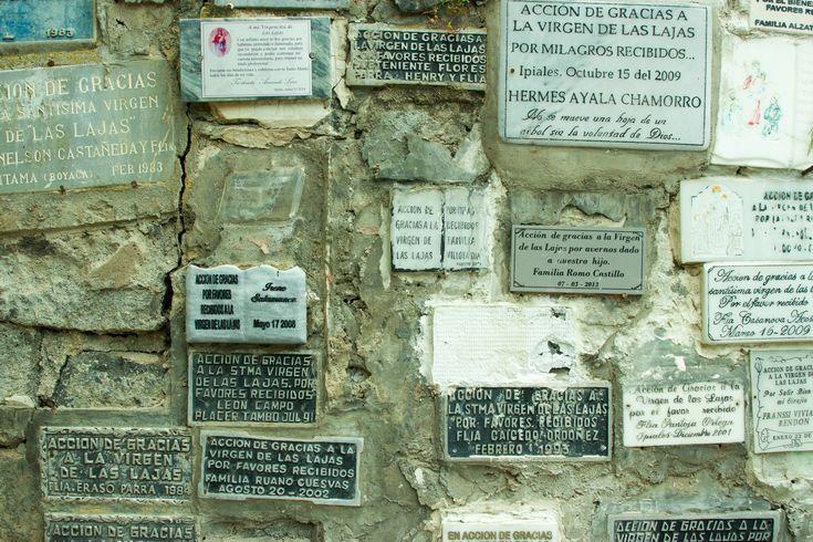 https://flic.kr/p/yDbVmd | Santuario de las lajas - Placas