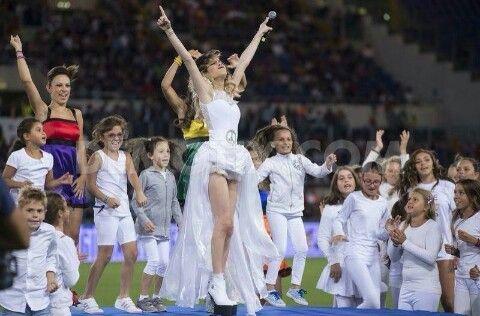 Tini Stoessel en el Estadio Olímpico de Roma