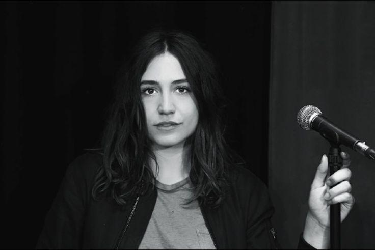 Dans l'objectif de Nikos Aliagas : Izia Higelin