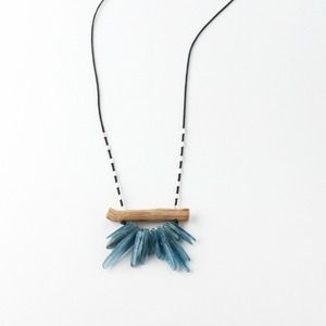 boho necklace made of driftwood kyanite gemstones and sterling silver beads. Lenti handcrafted jewelry