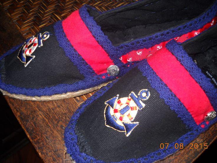 Espadrilles noires 38 Brodées 100% main ancre dentelle marine et galon rouge : Chaussures par marietartine001