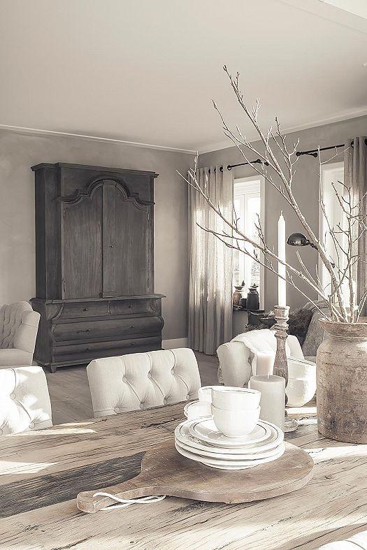 hoffz interieur combineert eigen ontwerpen met echte oude spullen en ze werken altijd met massieve en natuurlijke materialen