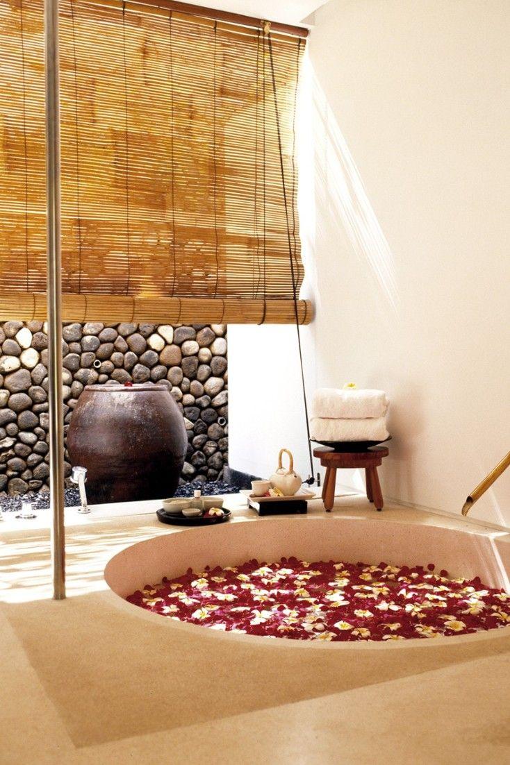 The On Site Spa Como Shambhala Retreat Has A Menu Of Asian
