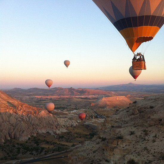 14 of the most romantic date ideas ever! Dream date: ride in a hot air balloon