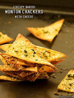 Crispy Baked Wonton Crackers with Cheese // wishfulchef.com