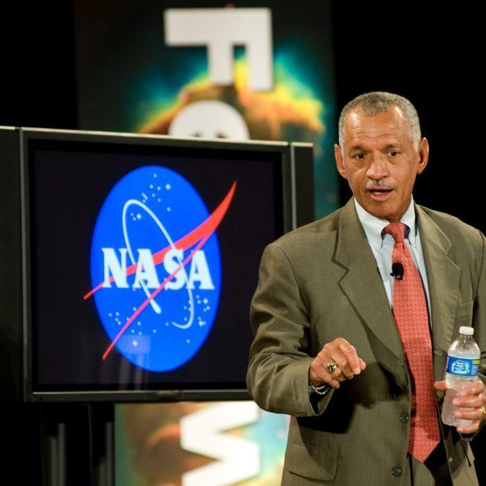 Australian space agency will pull together industry academia and entrepreneurs former NASA chief says - ABC Online #757Live