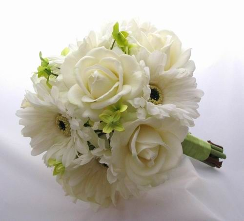 Get rid of roses, add daisies, green dahlias and blue orchids