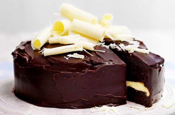This my Recipes chocolate fudge cake, Royal cake combination to deliciously cute cakes, cookies anda chocolate eggs.