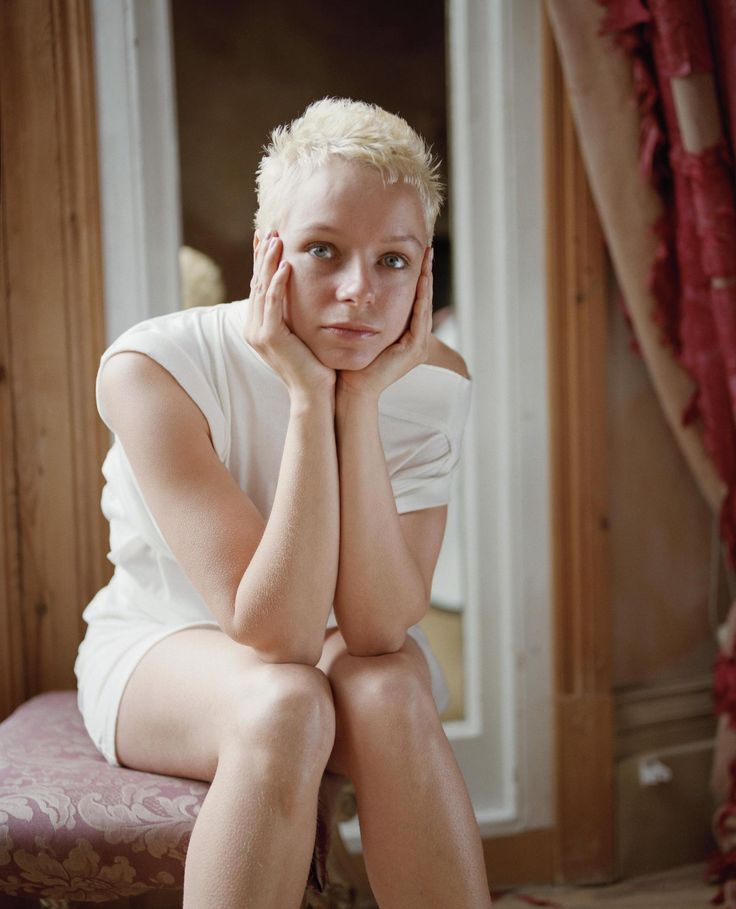If only Samantha Morton were 15. She could make a great Teresa, or Lab Tech.