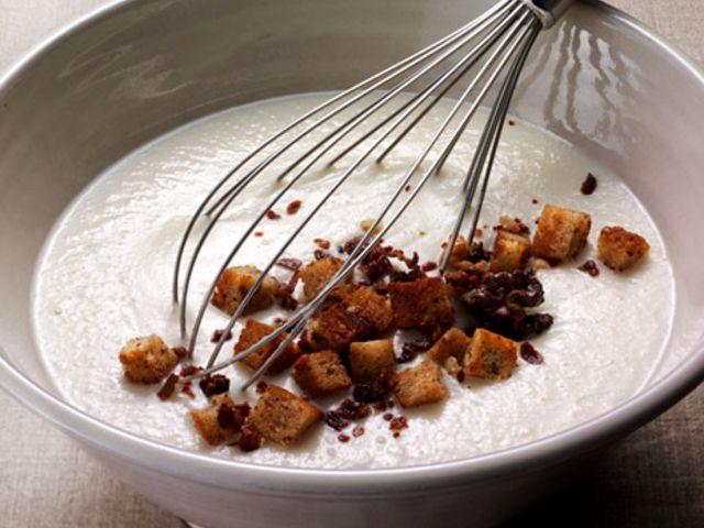 Jordärtskockssoppa med valnötskrutonger (kock Lotta Lundgren)