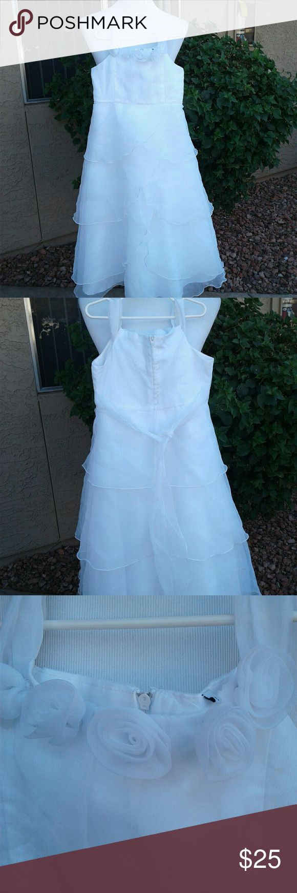 SIMPLE BUT ELEGANT FLOWER GIRL DRESS SIZE 8 CUTE PLAIN WHITE DRESS WITH ROSES AT TOP LAYERED CHIFFON Dresses Formal