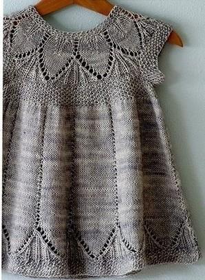 Платье для новорожденных спицами