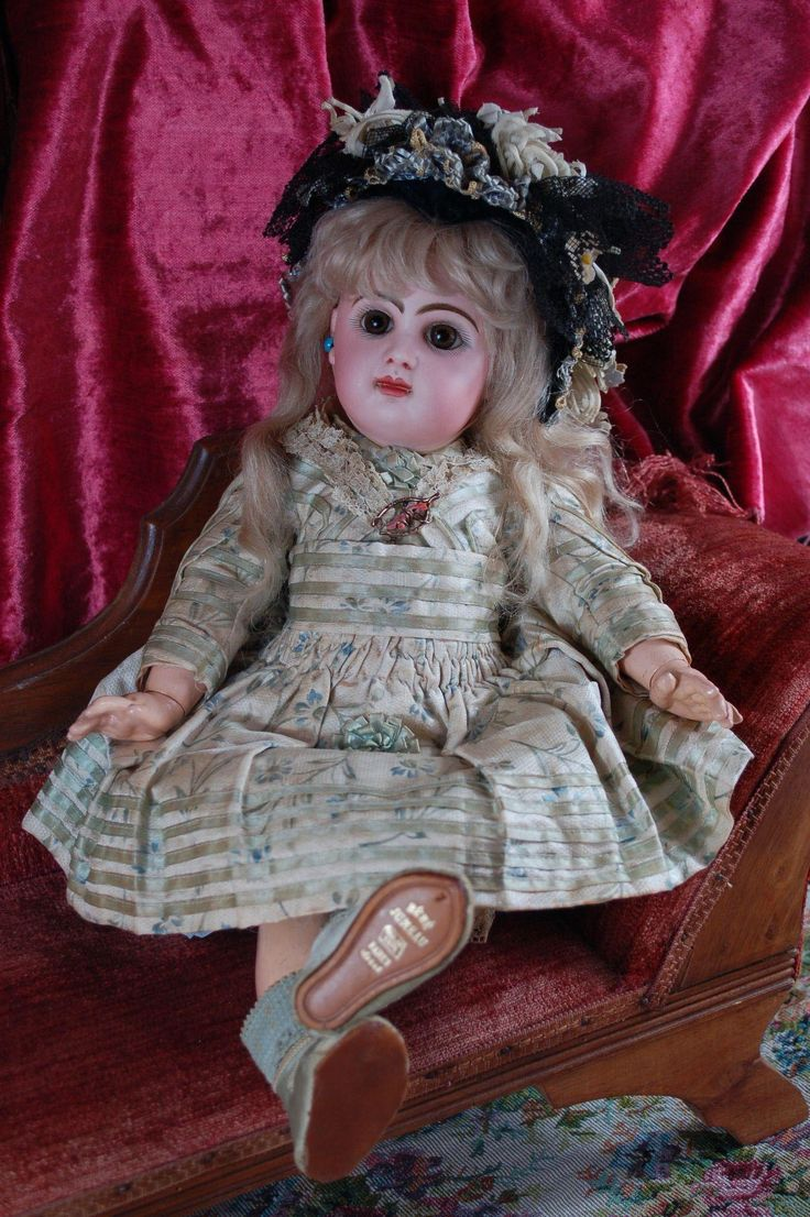 French doll size 7 TETE JUMEAU in her all original couture costume. from fritzisdolls on Ruby Lane