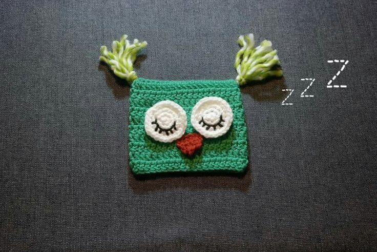 Crochet square owl hat by @mysquarehat