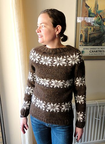 ( Icelander Sweater - English translation) Sizes: S (M) L (XL) Circumference : 86 (92) 98 (104) cm Full length, approximately: 57 (58...