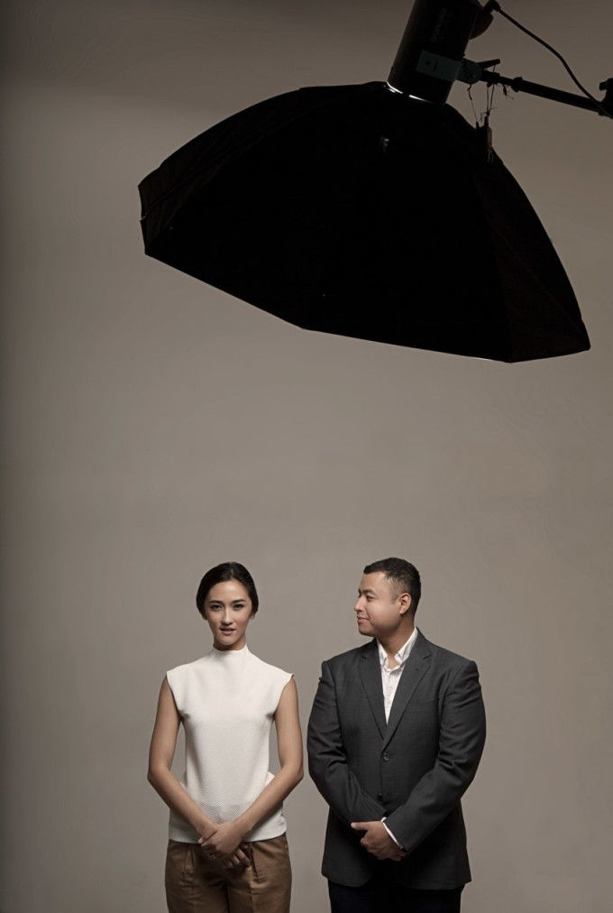 Classy And Timeless Pre-Wedding Studio Session - 012