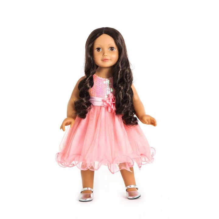 Miss Victoria ✨ She has brown hair, medium skin and blue eyes. One of our twelve dolls. #missminime#missminimedoll#missminimedolls#missvictoria#brownhaired#blueeyed#beautiful#qualitydoll#girl#musthave#doll