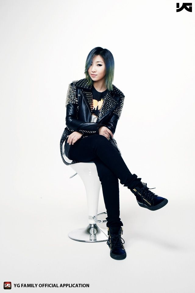 Korean Fashion Woman #2ne1 #minzy Come visit kpopcity.net for the largest discount fashion store in the world!! More