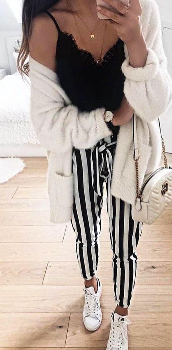#fall #outfits weiße Jacke.