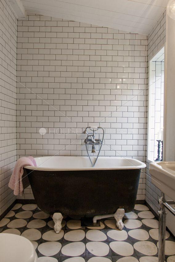 Best 25 tub tile ideas that you will like on pinterest for Carrelage salle de bain retro