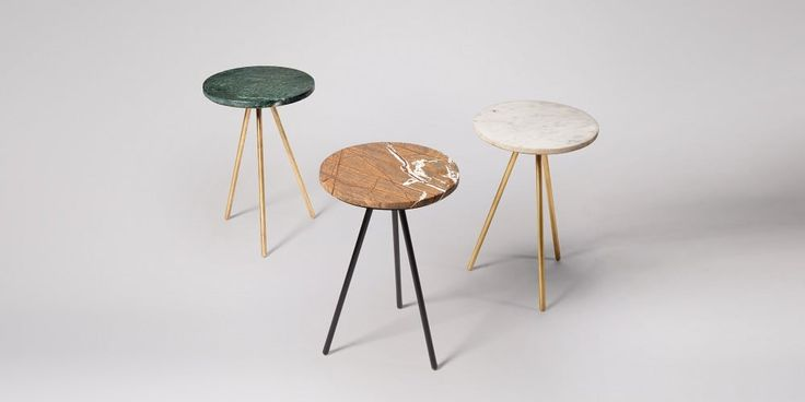 Pearl side table in green marble and brass.