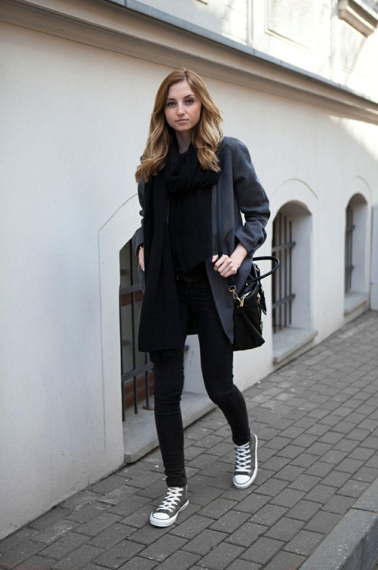 herbst outfit chucks schwarz damen styling mantel