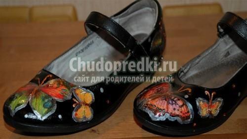 Как украсить обувь камнями девочке
