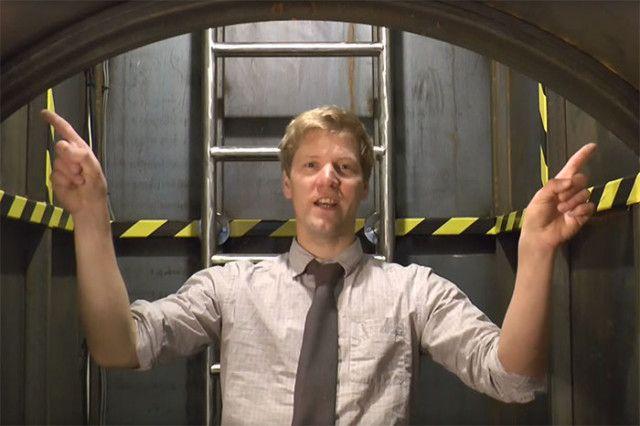 Colin Furze a construit un bunker sous son jardin https://plus.google.com/+Petitbuzz/posts/9kGZ5Q6aJNq