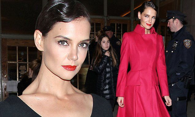 Katie Holmes sets bar high in sleek 1940s inspired look at Zac Posen