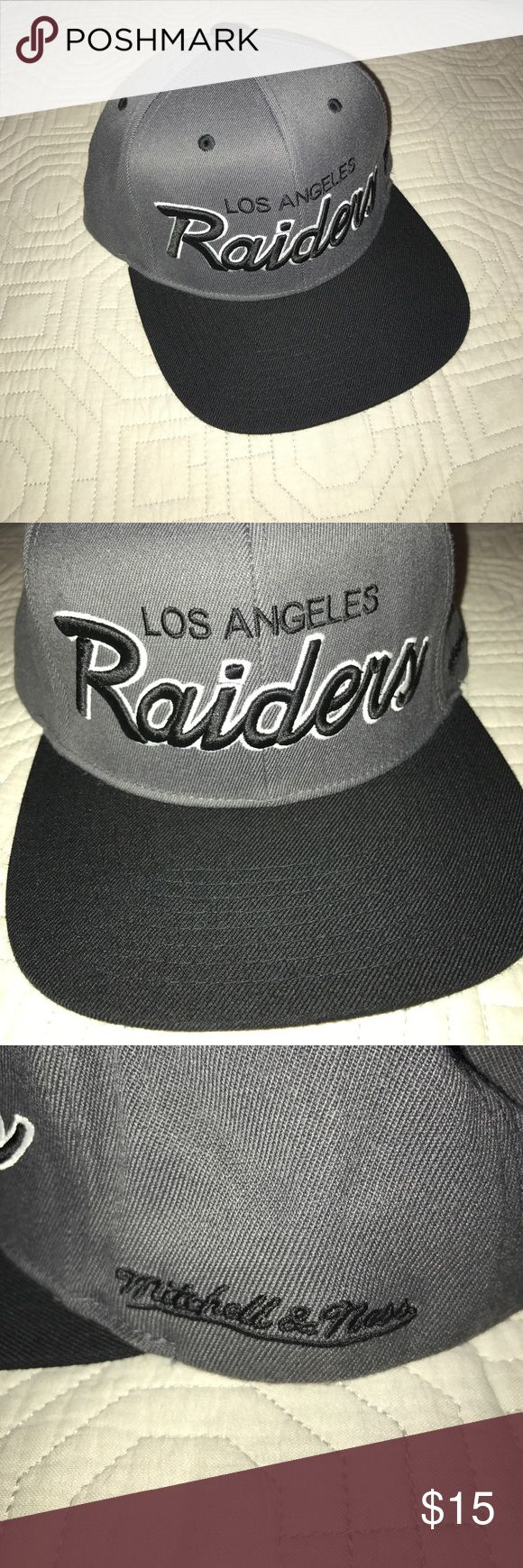Vintage Mitchell & Ness LosAngeles Raiders Hat NFL Vintage Mitchell & Ness Los Angeles Raiders Hat. Worn twice, No ware and tear. 10/10 condition Mitchell & Ness Accessories Hats