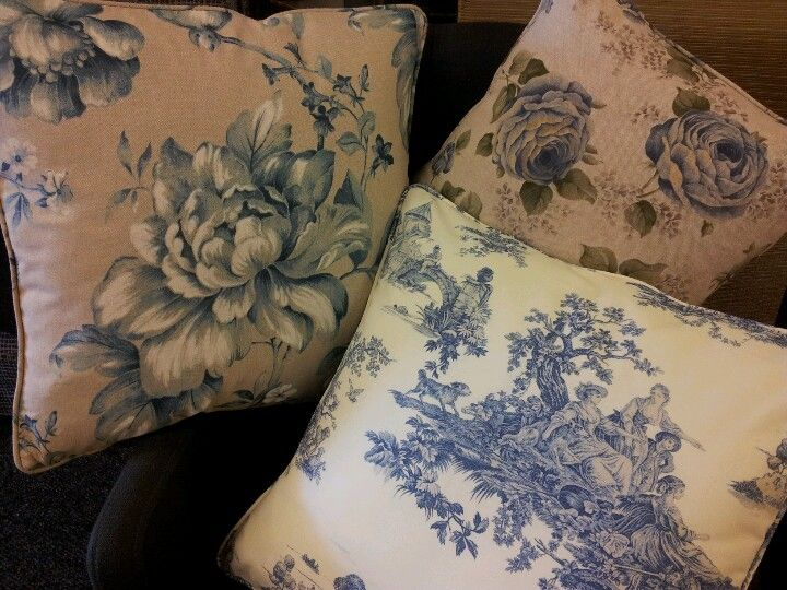 you can buy these cushions www.laumenmeubelstoffen.nl
