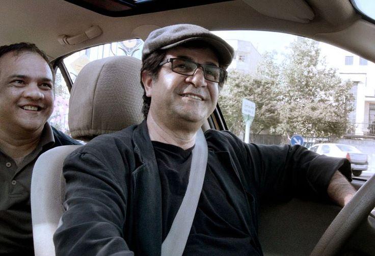 """Goldener Bär für """"Taxi"""" - Der iranische Film """"Taxi"""" von Jafar Panahi hat bei der Berlinale den Goldenen Bären gewonnen. Mehr dazu hier: http://www.nachrichten.at/nachrichten/kultur/65-Berlinale-Goldener-Baer-fuer-iranischen-Film-Taxi;art16,1648999 (Bild: EPA)"""
