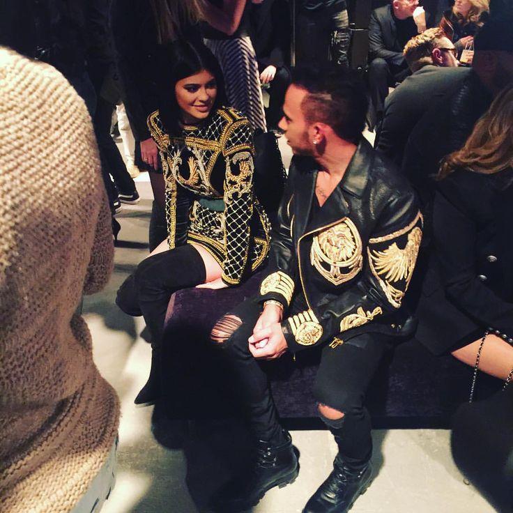 #Kylie and #Lewis talking fashion @hm #balmaination #NewYork #big