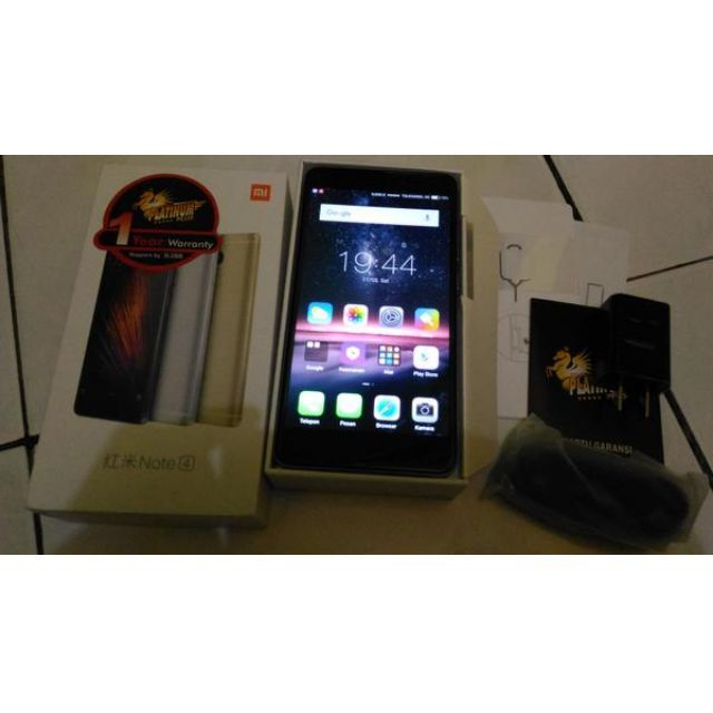Xiaomi Redmi Note 4 Warna GreyCuma unboxing ajaspecs:Layar 5,5 inch Full HD menggunakan kaca 2,5DDecacore Helio X20Ram 2 G,Internal 16 GCamera blkng 13 MP dualtone LED flash,Autofokus,kamera depan 5 MPFingerprint sensorMiui 8Battery 4100 mAhLengkapGaransi Platinum