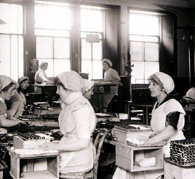 radium girls dial painters